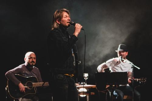 Gušti with Tomi Meglič performing at Murska Sobota Theatre 1NA1
